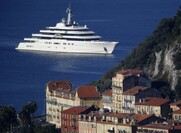 Russian Billionaire Roman Abramovich Reportedly Gave Vladimir Putin A $35 Million Yacht