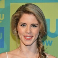 Emily Bett Rickards Net Worth