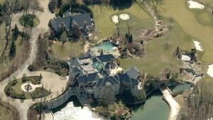 Thumbnail for Papa John Schnatter's $700 Million Fortune Bought This Insane 40,000 Square Foot Kentucky Mansion