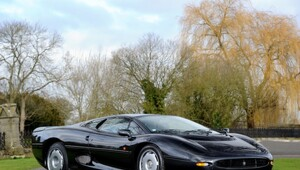 Thumbnail for A Classic Jaguar XJ220 Is Going Up For Auction