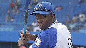 Thumbnail for Dodgers Give 18-Year-Old Cuban Prospect Yusniel Diaz $15.5 Million Bonus