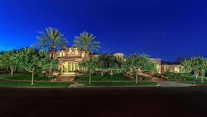 Thumbnail for Boxing Legend Mike Tyson Pays $2.5 Million For Huge Las Vegas Mansion