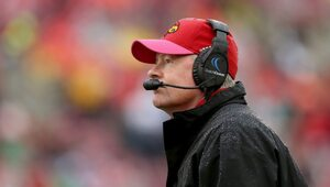 Thumbnail for Louisville Signs Bobby Petrino To New Seven-Year, $30.625 Million Contract