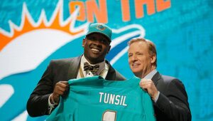Thumbnail for An Inappropriate Tweet Cost Laremy Tunsil $8-13 Million At The NFL Draft