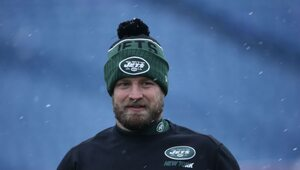 Thumbnail for Ryan Fitzpatrick Claims He'd Rather Sit Out Next Season, Than Take Jets Offer
