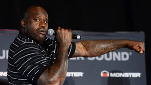 Thumbnail for Shaquille O'Neal Makes Big Entrance Into The Auto Insurance Industry