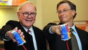 Thumbnail for Warren Buffett Credits His Diet For Longevity And Happiness – And You Won't Believe What He Eats!