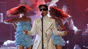 Thumbnail for Prince's Family Heads To Court Over $300 Million Net Worth