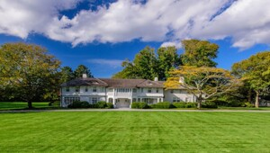 Thumbnail for Inside Jackie Kennedy's $54 Million Summer Home Sale