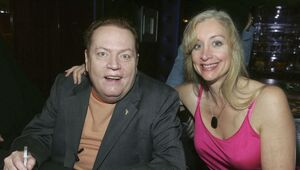Thumbnail for Larry Flynt Puts Up $1 Million Bounty For Any 'Scandalous' Donald Trump Tapes