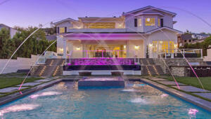 Thumbnail for LA Clippers' DeAndre Jordan Lists Home For $12.4 Million