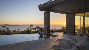 Thumbnail for Houston Astros Owner Lists Pebble Beach Mansion For $37.9 Million