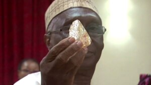 Thumbnail for Huge 706-Carat Diamond Unearthed In Sierra Leone