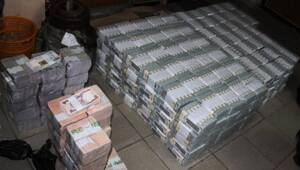 Thumbnail for Anti-Corruption Unit In Nigeria Finds $43M In Cash Inside Lagos Apartment
