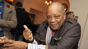 Thumbnail for Quincy Jones Is Suing Michael Jackson's Estate For $30 Million!