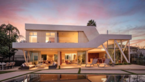Thumbnail for Jeremy Piven Dropped $6.8 Million On Glass-Walled Home In Hollywood Hills