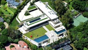 Thumbnail for Jay-Z And Beyonce Took Out A $52 MILLION Mortgage To Buy $88 Million Bel Air Mansion