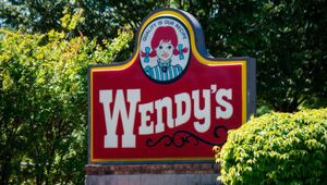 Thumbnail for Remember Wendy's Founder And Pitchman Dave Thomas? We Miss His TV Commercials! What Was His Net Worth?