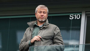 Thumbnail for The Extravagant Ways Billionaire Oligarch Roman Abramovich Spends His Money