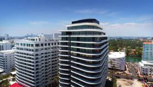 Thumbnail for Kanye West's Surprise Christmas Gift To Kim Kardashian: A $14M Miami Condo