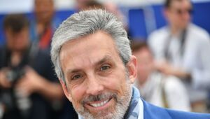 Thumbnail for Billionaire Charles Cohen Buys Landmark Theaters From Billionaire Mark Cuban