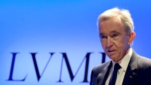 Thumbnail for French Billionaire Bernard Arnault Overtakes Bill Gates As The Second Richest Person On Earth