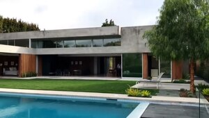 Thumbnail for Nick Jonas Lets Go Of Beverly Hills House For $6.9 Million