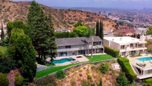 Thumbnail for Director Nick Cassavetes Drops Price On House To $4.4 Million