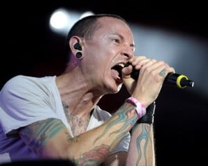 The Late Chester Bennington Of Linkin Park S Music Is Worth A Reported 8 Million Celebrity Net Worth