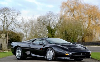 A Classic Jaguar XJ220 Is Going Up For Auction
