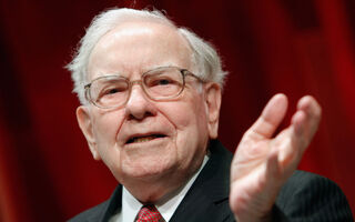 Warren Buffet Loses $1.4 Billion As Wells Fargo Stock Plummets