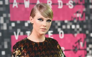 Taylor Swift Fulfills $1 Million Pledge To Louisiana Flood Victims