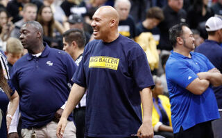 LaVar Ball Thinks He Can Get A $1 BILLION Shoe Deal For His Sons