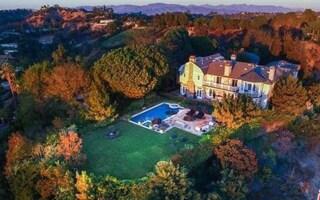 Jessica Alba Snags $10 Million Beverly Hills Mansion
