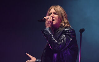 Def Leppard's Joe Elliott Says He Took Home Less Than $40 A Week In The Band's Early Days