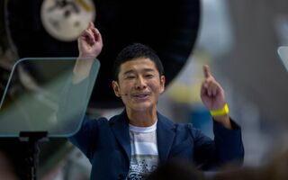 SpaceX Announces First Private Moon Tourist: Japanese Billionaire Yusaku Maezawa