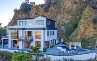 Demi Lovato Is Having Trouble Selling Her $8.3 Million Home
