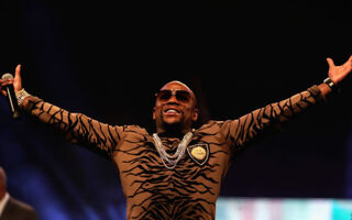 Floyd Mayweather Says He's Worth At Least $1 Billion To The UFC