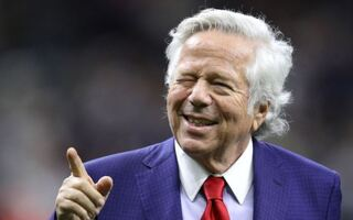 Billionaire Patriots Owner Robert Kraft Charged With Allegedly Soliciting $79 Prostitutes