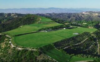 """Listed A Year Ago For $1 BILLION – """"The Mountain Of Beverly Hills"""" Just Sold For $100,000. That's Not A Typo. What Happened?"""