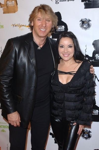Michael Blakey avec mignonne, femme Sasha Blakey