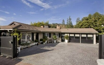 Jennifer Aniston's House:  The Rental Home That Led to an Engagement