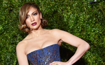 Jennifer Lopez's Car:  You Can Take the Girl Out of the Bronx...
