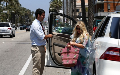 Jessica Simpson's Car:  More Babies Equals More Cars