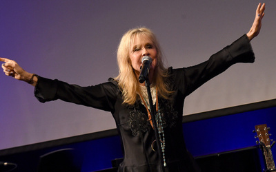 Kim Carnes Net Worth