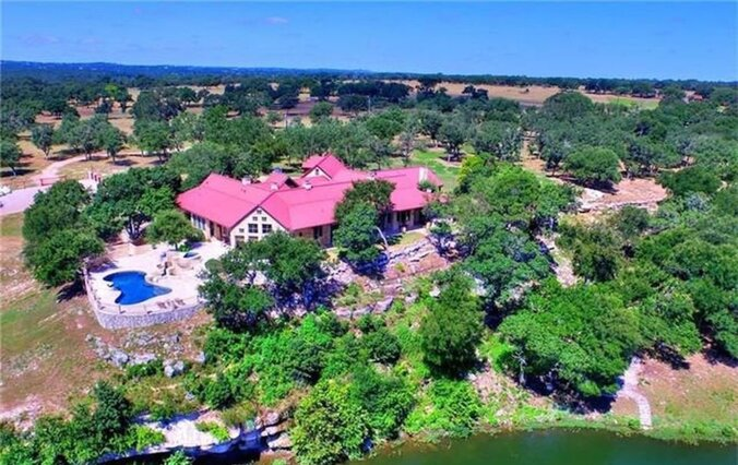 Patron Billionaire Sells Home, 120 Animals For $6.93 Million