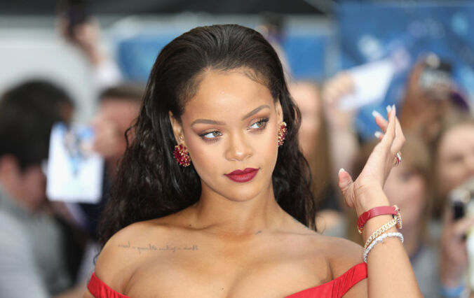 Snapchat Stock Plunged $800M After Rihanna's Response To Their Offensive Ad