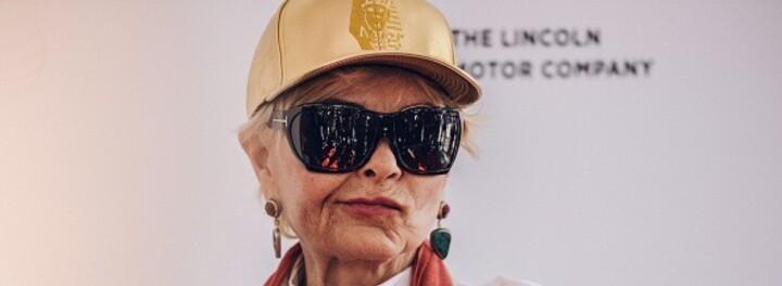 Millionaire Roseanne Barr Wants to Behead Rich People