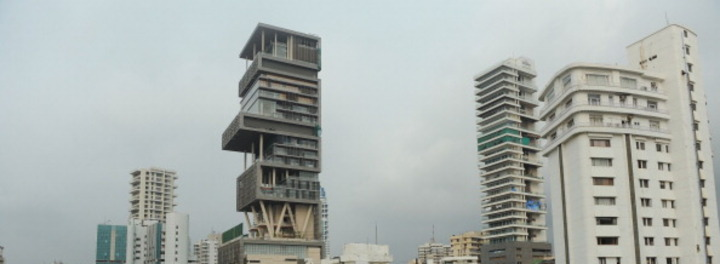 "12 Stunning Facts About Mukesh Ambani's Billion Dollar Mumbai Mansion ""Antilia"""