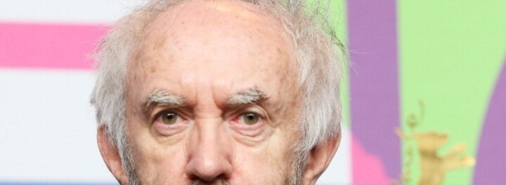 Jonathan Pryce Net Worth